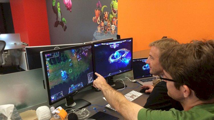 Eve kapanan vatandaşlar dijital oyun teknolojilerine yoğun ilgi gösteriyor